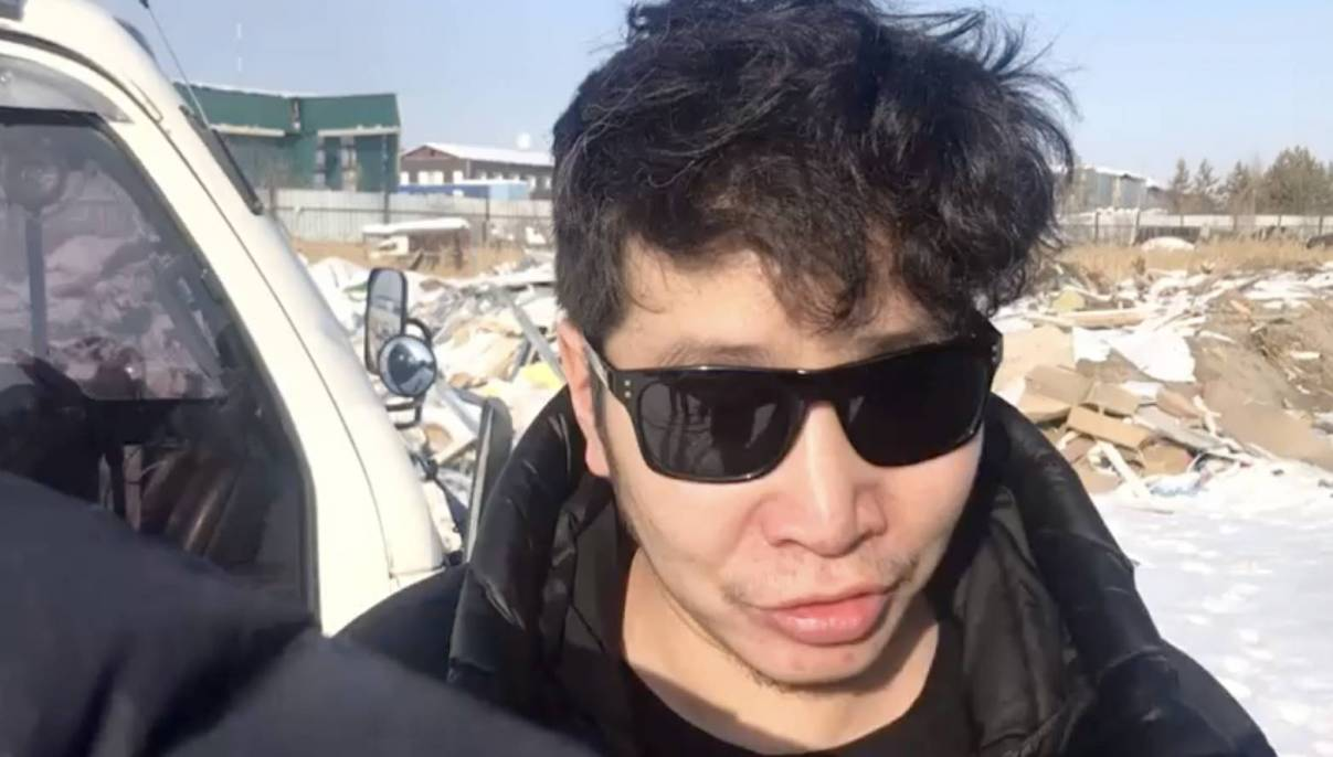 В Якутске поймали мужчину, захламляющего окрестности города мусором