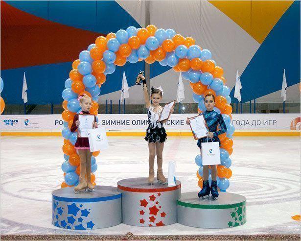 Мини-фигуристки на большом льду