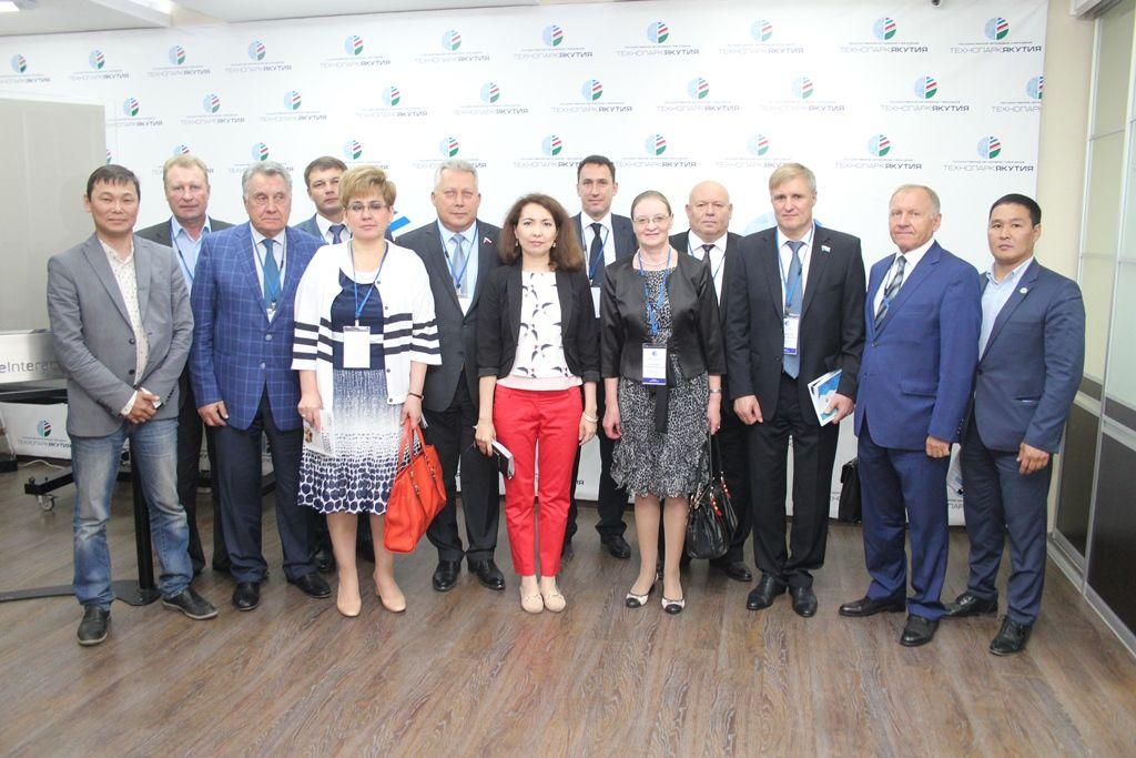 Парламентарии побывали в технопарке «Якутия»