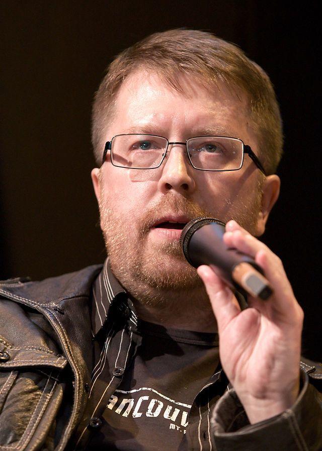 Известный российский писатель в СВФУ