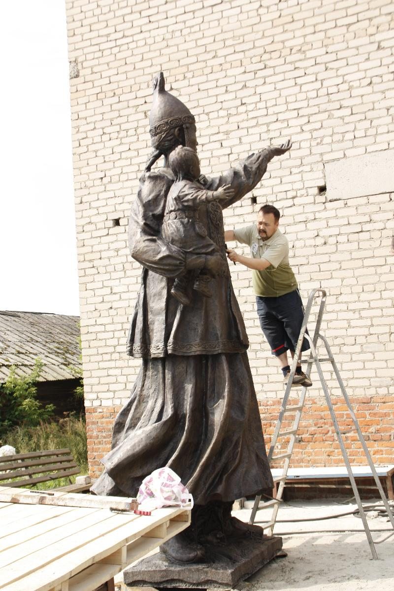 Памятник Матери олицетворяет Якутию