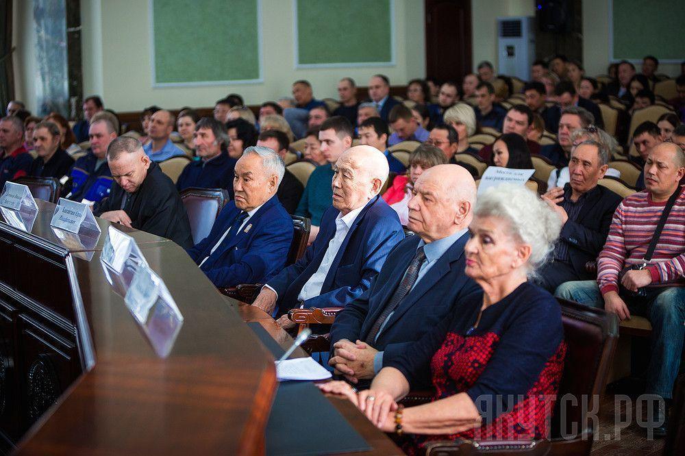 В Якутске чествовали работников ЖКХ