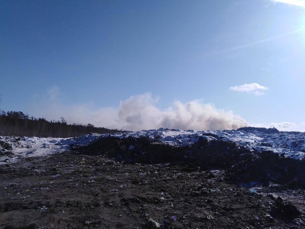 На полигоне по захоронению ТКО устраняют последствия возгорания
