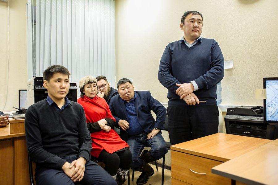 Сардана Авксентьева поставила задачи коллективу Управления муниципального контроля