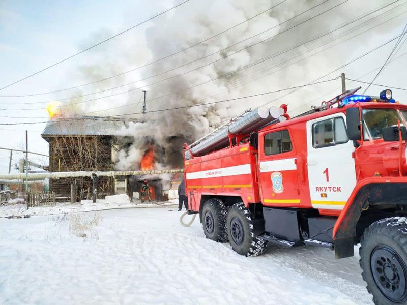 Почему в Якутске  горят дома