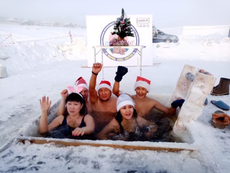 """Якутские """"моржи"""" самые экстремальные в мире"""