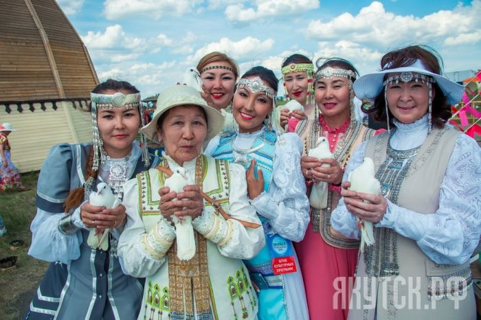 Прошел Городской фестиваль «Женщины долины Туймаада»